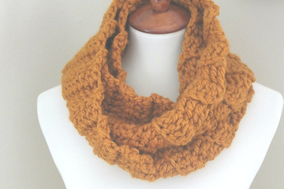 quick and easy crochet infinity scarf