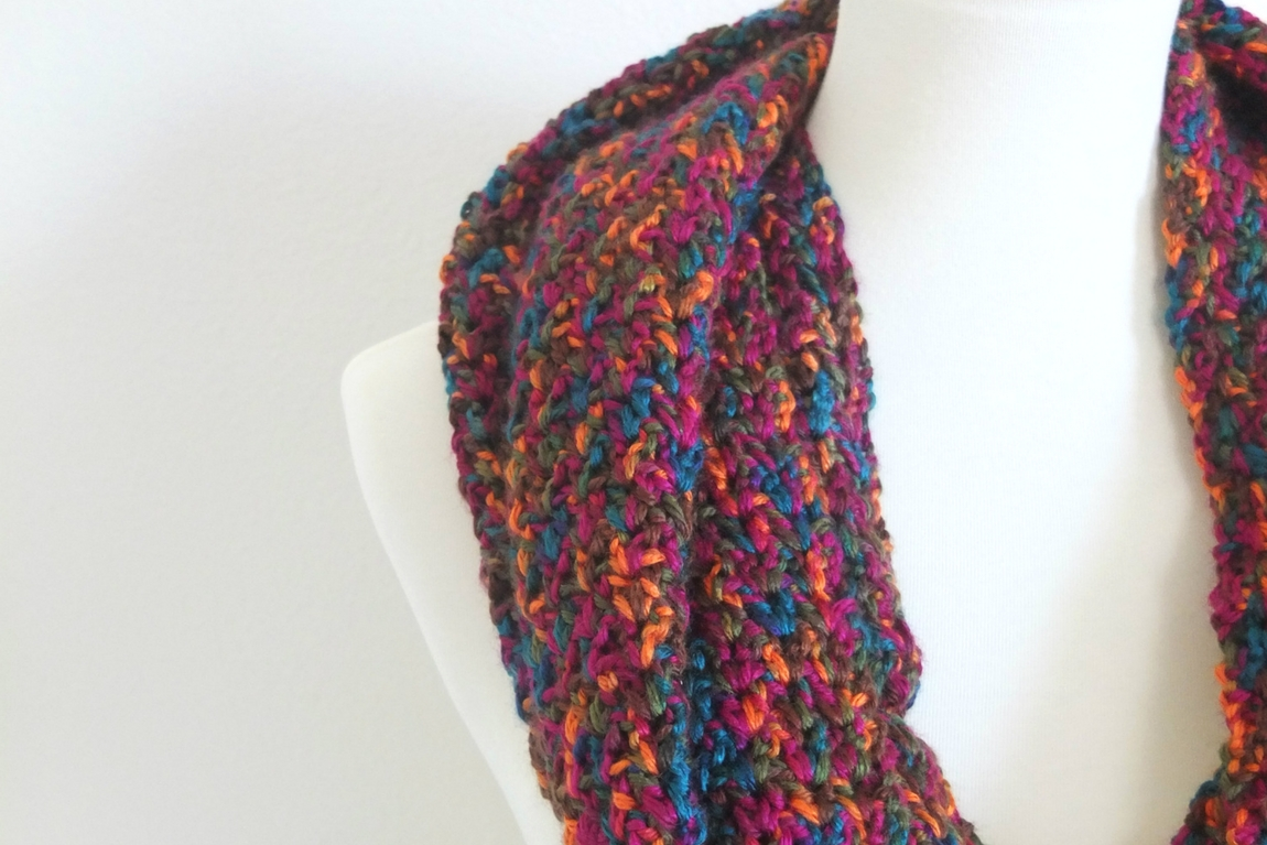 Simple V-Stitch Crochet Scarf – Free Crochet Pattern