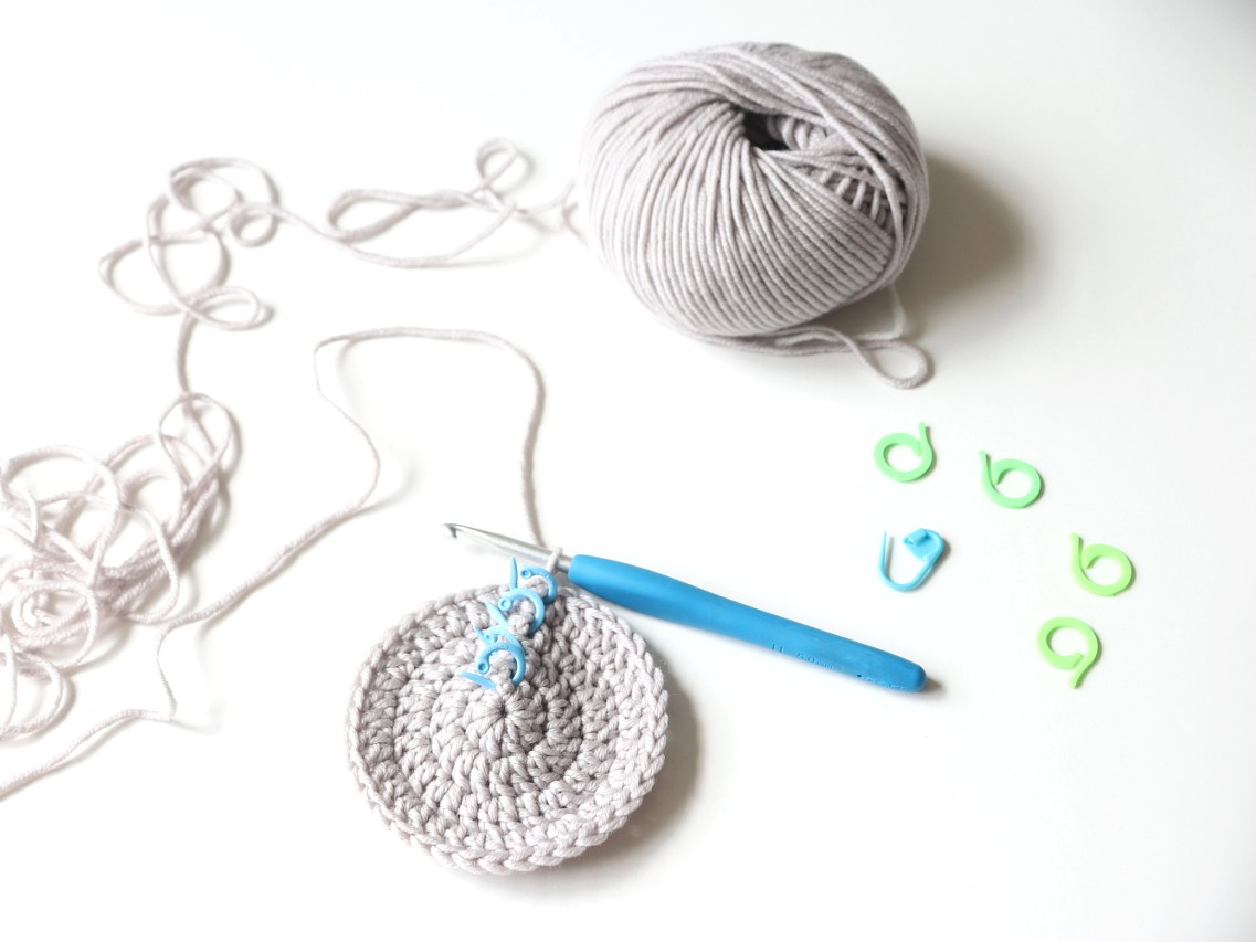 Counting Crochet Stitches and Rows featured image